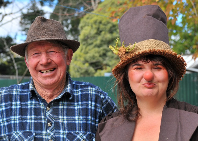 Mrs P Tati with Bernie White, one of Trentham's fabulous Spud Farmers